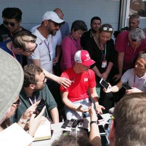 現地直送F1サーキット便り バーレーンGP編:ミック・シューマッハーのFIA-F2デビューでメディアが殺到
